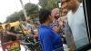 VIDEO: सिग्नल पर समाजवादी झंडी लगी गाड़ी वाले की गुंडागर्दी