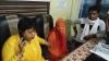 अलीगढ़: प्रेमी युगल ने परिजनों से बताया जान का खतरा, VIDEO वायरल कर मांगी सुरक्षा