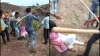 प्यार की सजा! भाइयों ने बहन पर लाठी-डंडों से बरपाया कहर, रोंगटे खड़े कर देने वाला VIDEO वायरल