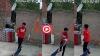 पड़ोसी चुरा ले जाता था अन्तर्वस्त्र, महिला ने उसे पकड़ने के लिए लगाए CCTV कैमरे में कैद हुआ यह VIDEO