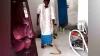 बाथरूम में नहाते समय पैरों में लिपटा सांप, खोजा तो घर में नागिन समेत निकले 34 संपोले