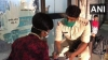 ड्यूटी के बाद गरीब युवक को ट्यूशन करवाते हैं SHO विनोद दीक्षित, ताकि ये भी बन सके पुलिस अफसर