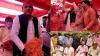 सपा मुखिया अखिलेश ने सैफई में मनाई होली, लखनऊ से जाते समय रोडवेज बस में किया सफर