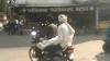 बाइक पर बेटे का शव ले जाने के मामले में हुई कार्रवाई, एंबुलेंस चालक सेवा मुक्त तो चौकी इंचार्ज लाइन हाजिर