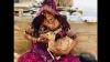 मायूम हिरण को स्तनपान कराने वाली महिला की तस्वीर Viral