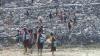 अम्बेडकर नगर: जान जोखिम में डालकर बच्चे जा रहे हैं स्कूल
