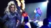 डांस कर रही थीं लेडी गागा, स्टेज से गिरीं, Video Viral
