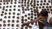 इको-फ्रेंडली दिवाली: फिर लौटा गोबर से बने दियों का ट्रेंड, एक नहीं कई हैं फायदे
