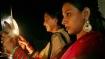 करवा चौथ आज, दिल्ली वाले मना रहे हैं आधे दिन की छुट्टी