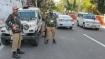 जम्मू कश्मीर: 30 राजनीतिक बंदियों को दूसरी जगह शिफ्ट किया गया, पुलिस पर गलत बर्ताव का आरोप