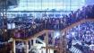Delhi Lockdown: मजदूरों का पलायन शुरू, आनंद विहार, सराय काले खां बस अड्डे पर उमड़ी हजारों की भीड़