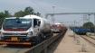ओडिशा पुलिस सुरक्षा घेरे में दूसरे प्रदेशों को भेज रही ऑक्सीजन टैंकर