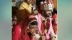 मंडप में बैठे दूल्हे ने कर दी दुल्हन के साथ ऐसी हरकत कि मंत्र पढ़ते हुए पंडित जी ने टोका, Video Viral