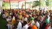 जंतर-मंतर पर किसानों ने बनाया कृषि मंत्री का डमी, फिर उससे लिखवाया इस्तीफा