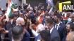 वतन वापसी से पहले न्यूयॉर्क में अपनी होटल के बाहर इकट्ठा हुए लोगों से मिले पीएम मोदी