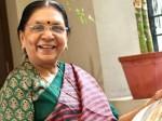 कहीं नहीं जाऊंगी, गुजरात में ही रहूंगी: आनंदीबेन