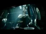 गहरे पानी में परफॉर्म करता है ये म्यूजिक बैंड, देखें VIDEO