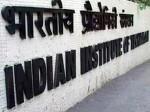 दिल्ली आईआईटी के हॉस्टल की छात्राओं के पहनावे को लेकर आया ऐसा फरमान, हो सकता है विवाद
