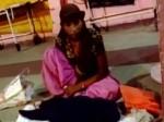 मेरठ: नहीं मिली एंबुलेंस, अस्पताल के बाहर रातभर बेटी की लाश के साथ बैठी रही महिला