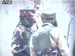 जम्मू-कश्मीर: सोपोर में सुरक्षाबलों और आतंकियों के बीच मुठभेड़ जारी