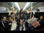 बिना पैंट्स के अंडरवियर में मेट्रो में घूमते रहे लड़के-लड़कियां, लेकिन क्यों?