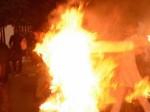 एक फोन कॉल से हुआ बेवफाई का शक, महिला ने पति को जिंदा जलाया, खुद भी की आत्महत्या