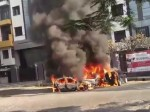 VIDEO: अमिताभ बच्चन के बंगले के पास खड़ी 3 कारों में रहस्यमयी तरीके से लगी आग, सभी जलकर खाक
