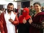 यूपी चुनाव: परिवार संग वोट डालने पहुंचे भारतीय क्रिकेटर मोहम्मद शमी