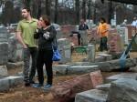 अमेरिका में यहूदियों का कब्रिस्तान लेकिन मरम्मत करा रहे मुसलमान