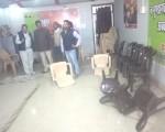 ललितपुर : उमा भारती के ऑफिस में भाजपा कार्यकर्ताओं ने की तोड़फोड़