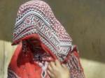 बुरी नीयत से महिला को दबोचा, अपने ही तमंचे से मारा गया आरोपी