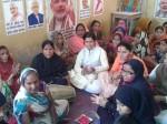 वाराणसी: मोदी की जीत पर जश्न मनाती मुस्लिम महिलाएं