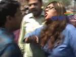 VIDEO: चोरी और सीनाजोरी, झांसी की सड़क पर जब खूब लड़ी एक 'मर्दानी'
