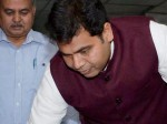 मथुरा में उर्जा मंत्री श्रीकांत शर्मा ने बाजार में लगाई झाड़ू, देखिए वीडियो