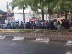 बाहुबली-2 के टिकट के लिए लगी 3 किमी. लंबी लाइन, वीडियो वायरल