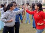 यूपी के स्कूलों में योग अनिवार्य, लड़कियों को दी जाएगी सेल्फ डिफेंस ट्रेनिंग