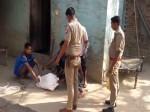 वीडियो: बेटी को मारकर लाश को पांच दिन से कमरे में रखे हुए था बाप