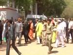 दो दिन के बुंदलेखंड दौरे पर पहुंचे योगी आदित्यनाथ, अधिकारियों की लगाई क्लास