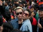 गे सेक्स करने पर 85 कोड़े मारने का आदेश, इन देशों में लेस्बियंस को मिलती है सजा ए मौत