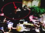 VIDEO: बेशर्मी की हद पार! बीच सड़क ही उतार दिए सारे कपड़े