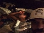 धोखेबाज गर्लफ्रेंड को पराए मर्द के साथ बिस्तर पर सोते देख सेल्फी लेकर सोशल मीडिया पर कर दी पोस्ट