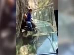 3 साल के बेटे ने दिखाई बहादुरी और ऐसे दी पापा को हिम्मत,  देखिए वीडियो, क्या हुआ आगे