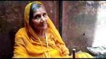 जूते-चप्पल की रखवाली करने वाली महिला ने मंदिर को दिया लाखों का दान, हर कोई रह गया हैरान