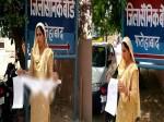 पूर्व सैनिक की पत्नी ने PM मोदी को भेजा 56 इंच का ब्लाउज, कहा-सैनिकों की दशा से दुखी हूं