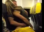 एयरपोर्ट पर इंतजार करती रही गर्भवती मंगेतर, युवक उड़ते जहाज में दूसरी लड़की से बनाता रहा संबंध