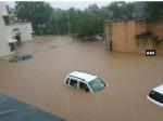 गुजरात में बाढ़ का कहर :  अब तक 67 की मौत, 7000 से ज्यादा लोगों को सुरक्षित स्थानों पर पहुंचाया गया