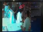 VIDEO: महंगे मोबाइल के शौक ने बना दिया चोर और दोस्त ने दिखा दी दुकान