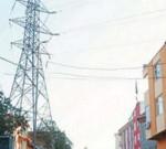 दिल्ली: छत से बच्ची के डायपर फेंक रही महिला हाईटेंशन तार की चपेट में आई, मौत