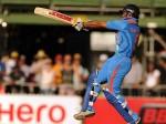 दिल्ली में भूख और गरीबी से लड़ने के लिए ये क्रिकेटर आया आगे