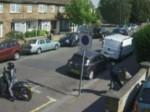 Video:महिला के गले से छीना 50 हजार का नेकलेस, सड़क पर पटककर भागे